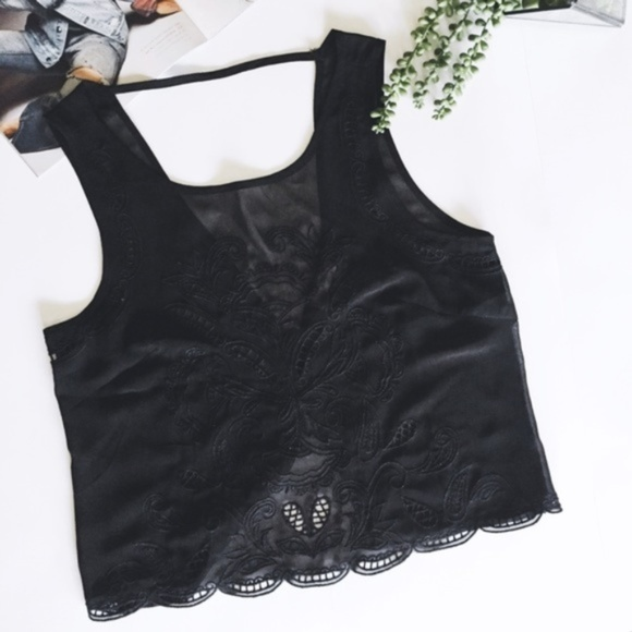 Lush Tops - Lush Woven Backless Crop Top | Black | Size XS